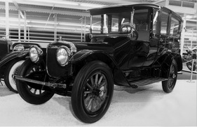 Bild (3/16): Winton Model 21, Three-Quarter Limousine (1915) (Archivbild)