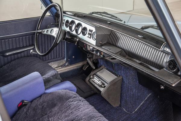 Foto galerie renault 16 tx sportlicher luxuswohnraum for Renault 6 interieur