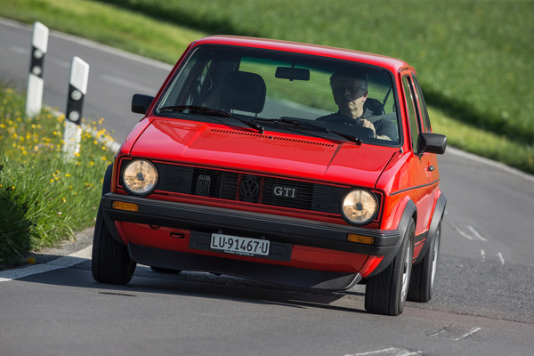 40 jahre vw golf gti das oft kopierte original. Black Bedroom Furniture Sets. Home Design Ideas
