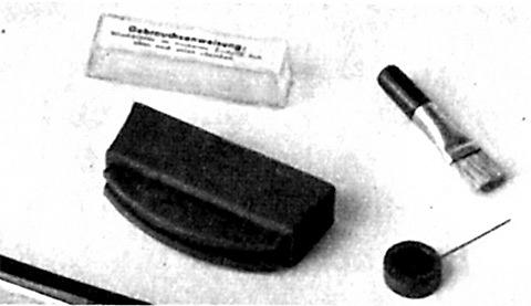 Die Heilmaniküre für die Nägel mit gribkom