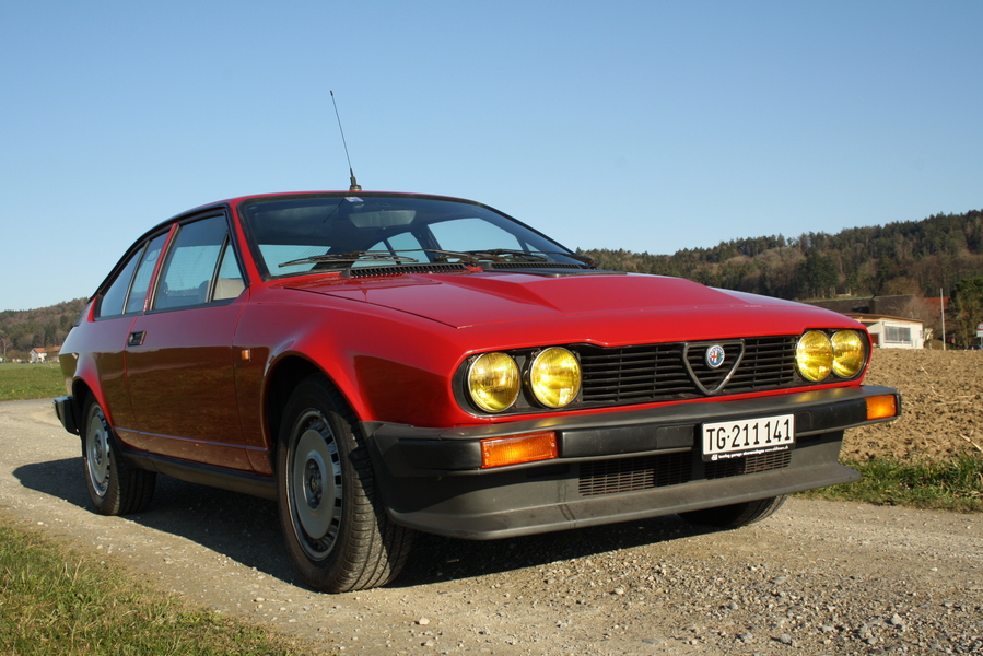 alfa romeo alfetta gtv 6 1981 oldtimer kaufen. Black Bedroom Furniture Sets. Home Design Ideas