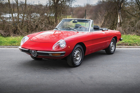"Alfa Romeo 2000 Spider Veloce (1973) - als Lot 122 verkauft an der RM/Sotheby's ""The European Sale featuring the Petitjean Collection"" Online-Only-Versteigerung 2020 (1973)"