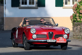Alfa Romeo 2600 Spider - am RAID Suisse-Paris 2011 (1962)