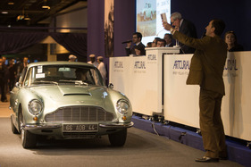 Aston Martin DB 6 Vantage Coupé (1966) - versteigert als Lot 333 an der Artcurial Rétromobile Auktion vom 7. Februar 2014 in Paris (1966)