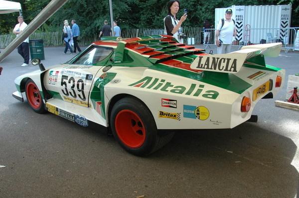 lancia stratos hf turbo - vom rallyesport auf den asphalt (rennwagen