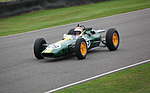 Jackie Stewart im Lotus-Cosworth 47 (1965) - bei den Demonstrationsfahrten anlässlich des Jim Clark Tribute am Goodwood Revival 2013 (1965)
