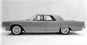 Lincoln Continental (1960) - kantige Silhouette (1960)