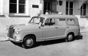 Editions Atlas Mercedes Benz Krankenwagen