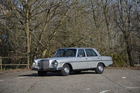 Mercedes-Benz 280 SEL 3.5 Limousine (1971) - als Lot 278 an der Bonhams Versteigerung in Paris am 6. Februar 2020 (1971)