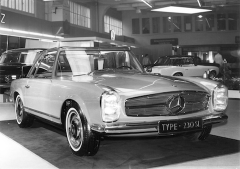 Mercedes Benz 230 SL am Genfer Salon 2013