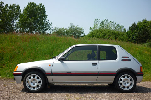 Peugeot 205 GTI 1.9 1989 (© Silverstone Auctions)