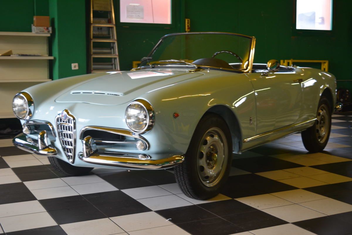alfa romeo giulia spider 1 6 1963 oldtimer kaufen. Black Bedroom Furniture Sets. Home Design Ideas