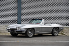 Chevrolet Corvette 327 Sting Ray Convertible (1965): manual 4-speed transmission - angeboten durch Oldtimer Galerie Toffen