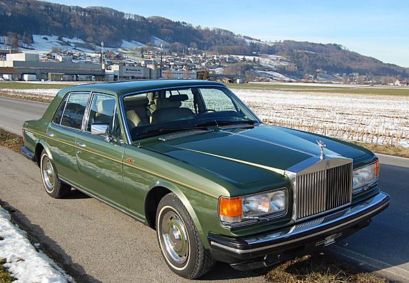 """Bild (4/17) vom Fahrzeug-Verkaufsinserat <strong>Rolls Royce Silver Spirit (1981)</strong>          : Rolls Royce Silver Spirit          <br/><br/>              <div class=""""hideonmobile"""" style='font-size:0.8em;'>      <strong>Navigations-Tip:</strong> Benutzen Sie die Pfeiltasten auf ihrer Tastatur (rechts=vorwärts, links=zurück)    </div>"""