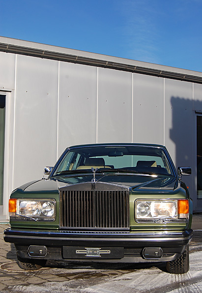 "Bild (12/17) vom Fahrzeug-Verkaufsinserat <strong>Rolls Royce Silver Spirit (1981)</strong>          : Rolls Royce Silver Spirit          <br/><br/>              <div class=""hideonmobile"" style="